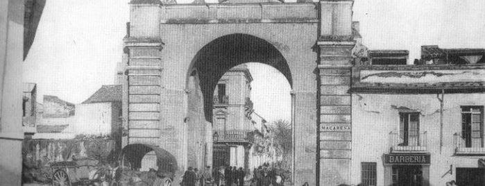 Arco de La Macarena is one of Cosas que ver en Sevilla.