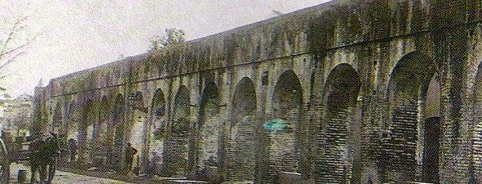 Acueducto Caños de Carmona is one of Cosas que ver en Sevilla.