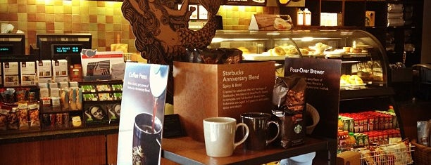 Starbucks is one of Tempat yang Disukai Jacque.
