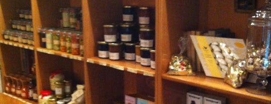 Saveurs d'Antan is one of Paris Wine Bars.