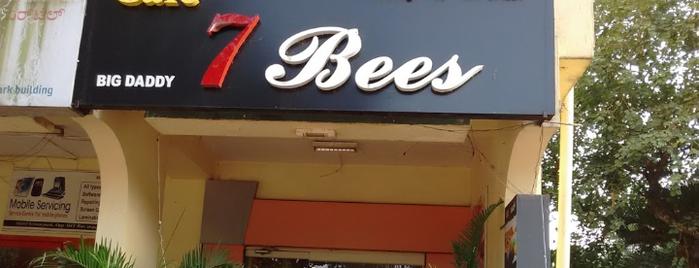 Cafe 7 bees is one of Lugares favoritos de Aditya.