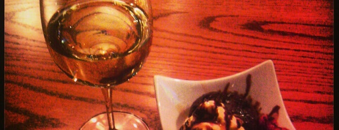 JJ's Coffee + Wine Bistro is one of Twin Cities Trivia Nights.