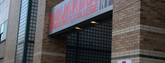 LaGuardia Community College is one of Heavenさんのお気に入りスポット.