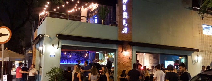 Viela Bar is one of Bares.