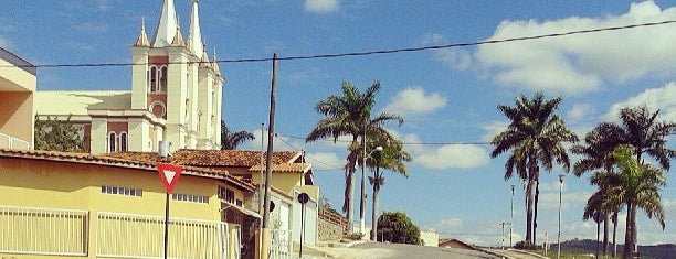 IGREJA MATRIZ SANTUÁRIO DO SAGRADO CORAÇÃO DE JESUS is one of Mateusさんのお気に入りスポット.
