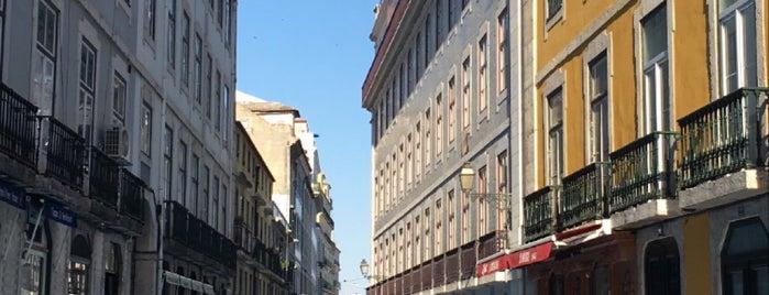 Rua dos Bacalhoeiros is one of Lisboa sabores de siempre.