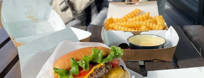 Shake Shack is one of DC.