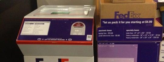 FedEx Office Print & Ship Center is one of Orte, die David gefallen.