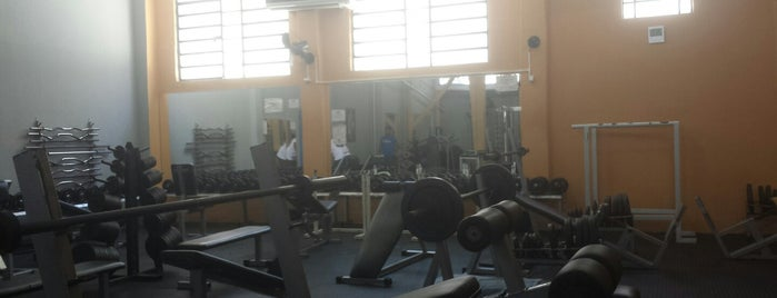 Academia Olimpo Fitness is one of Lieux qui ont plu à Carolina.