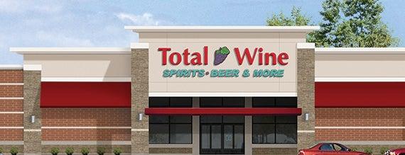 Total Wine & More is one of Lieux qui ont plu à Lindsaye.