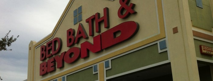 Bed Bath & Beyond is one of Locais curtidos por M..
