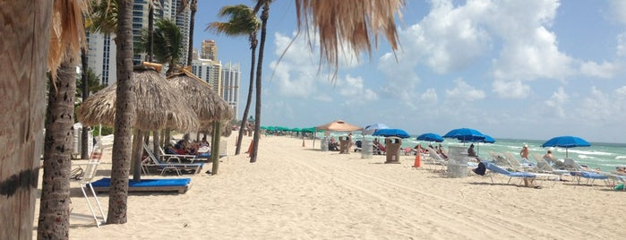 Sunny Isles Beach is one of Miami.