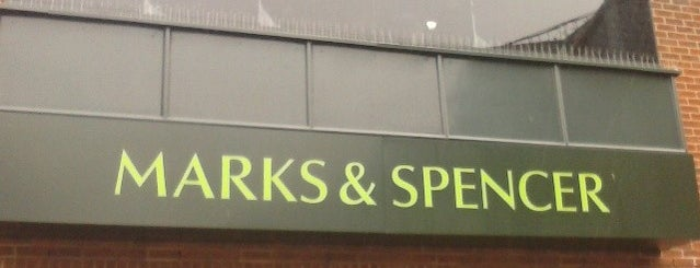 Marks & Spencer is one of Orte, die Carl gefallen.
