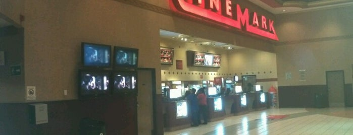 Cinemex is one of Lugares favoritos de Julio.