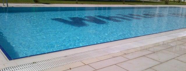 White Side Swimming Pool is one of Orte, die Celal gefallen.