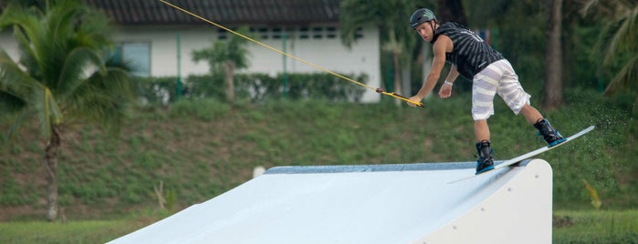 Phuket Wake Park is one of Надо посетить.