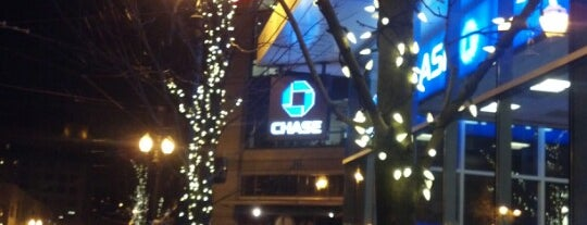 Chase Bank is one of Shu-Chu's Liked Places.