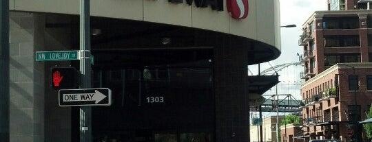 Safeway is one of Orte, die Randy gefallen.