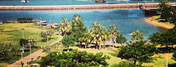Darwin Waterfront Beach is one of Lieux sauvegardés par Katya.