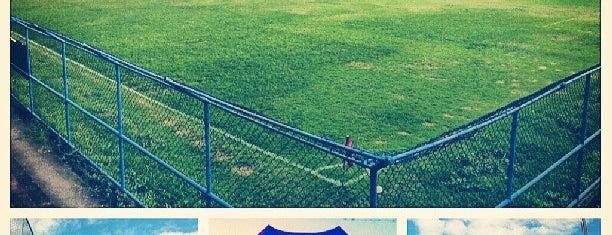 Bonsucesso Futebol Clube is one of Aqui na terra tão jogando futebol.