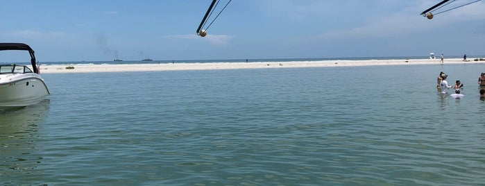 Sandbar off Bunces Pass is one of Stevenson Favorite US Beaches.