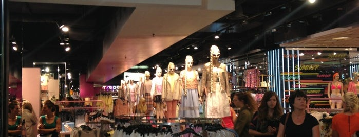 Topshop is one of London trip vol. 2.