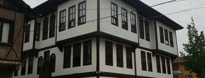 Tekkeliler Konağı is one of Orte, die Ahmet gefallen.