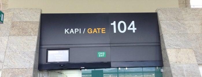 Gate 104 is one of Locais curtidos por Selcan.