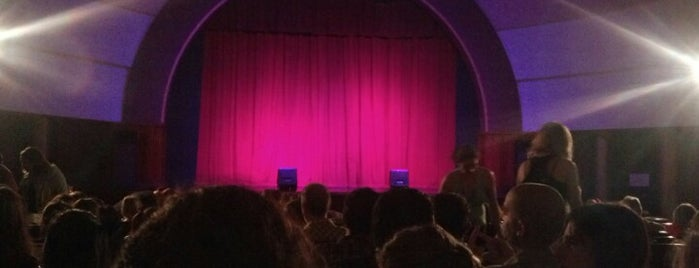 Teatro Empire is one of Teatros.