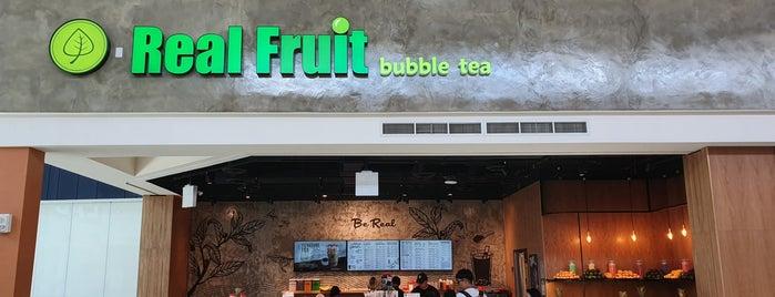 Real Fruit Bubble Tea 真果茶坊 is one of Tempat yang Disukai Chyrell.