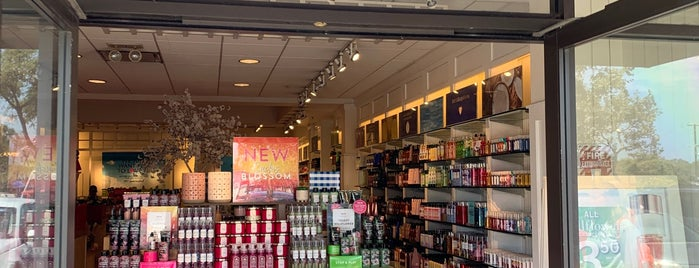 Bath & Body Works is one of Lugares favoritos de Sergio M. 🇲🇽🇧🇷🇱🇷.