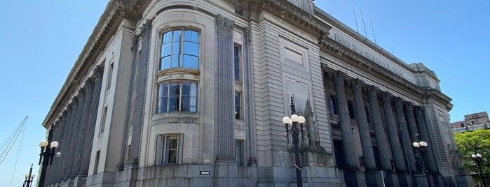 Banco República (BROU) is one of Fabioさんの保存済みスポット.
