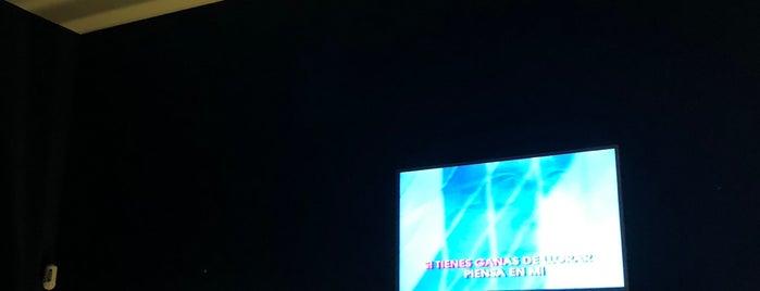 Kapikas Karaoke is one of Mis sitios favoritos.