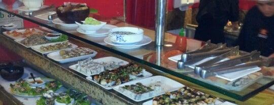 """Benkei Sushi is one of Os melhores """"japas"""" da cidade."""