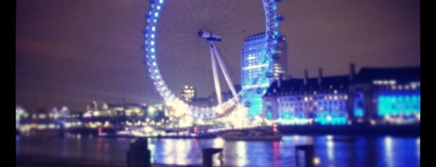 The London Eye is one of London's great locations - Peter's Fav's.