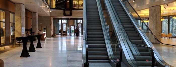 Giełda Papierów Wartościowych w Warszawie | Warsaw Stock Exchange is one of Lieux qui ont plu à Krzysztof.