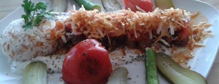 Güven Park Cafe is one of Kızılay Mekanları.