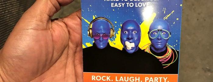 Blue Man Group is one of Posti che sono piaciuti a John.