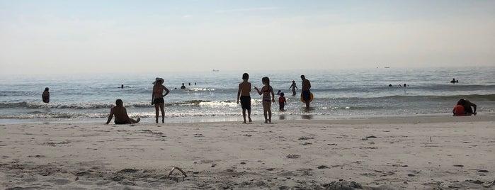 Hanna Beach is one of Tempat yang Disukai Matt.