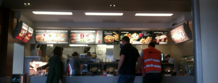 McDonald's is one of Olegさんのお気に入りスポット.