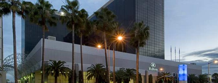 Hilton Los Angeles Airport is one of Hiroshi ♛ : понравившиеся места.