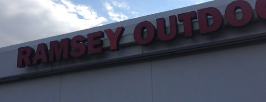 Ramsey Outdoor is one of Locais curtidos por RazzLe.