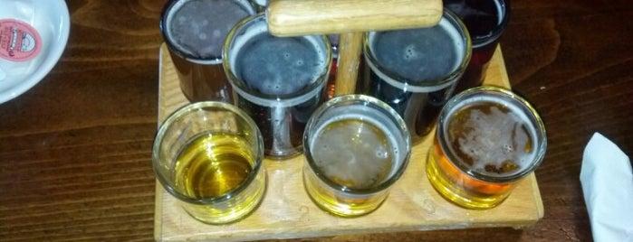 Northwoods Brew Pub & Grill is one of Darien 님이 좋아한 장소.