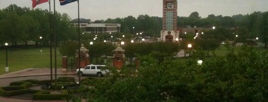 University of Arkansas - Fort Smith is one of Posti che sono piaciuti a Thomas.