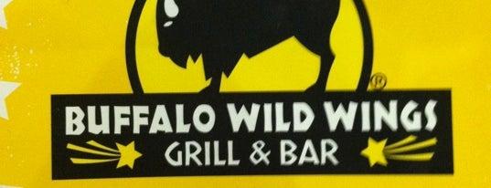 Buffalo Wild Wings is one of สถานที่ที่ Becca ถูกใจ.