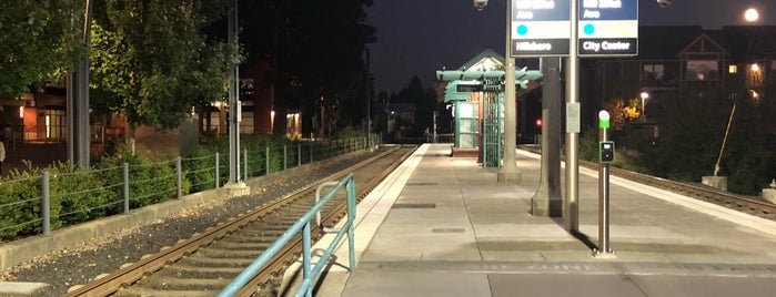 TriMet Orenco/NW 231st Ave MAX Station is one of Rosana 님이 좋아한 장소.