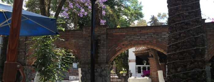 Villa Dante is one of RESTAURANTES.