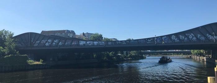 Havelbrücke is one of Berlin Spandau.
