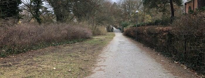 Erdmann-Graeser-Weg is one of Berlin unsorted.