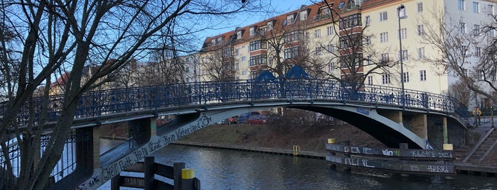 Elsensteg is one of Grün und Blau Berlin.